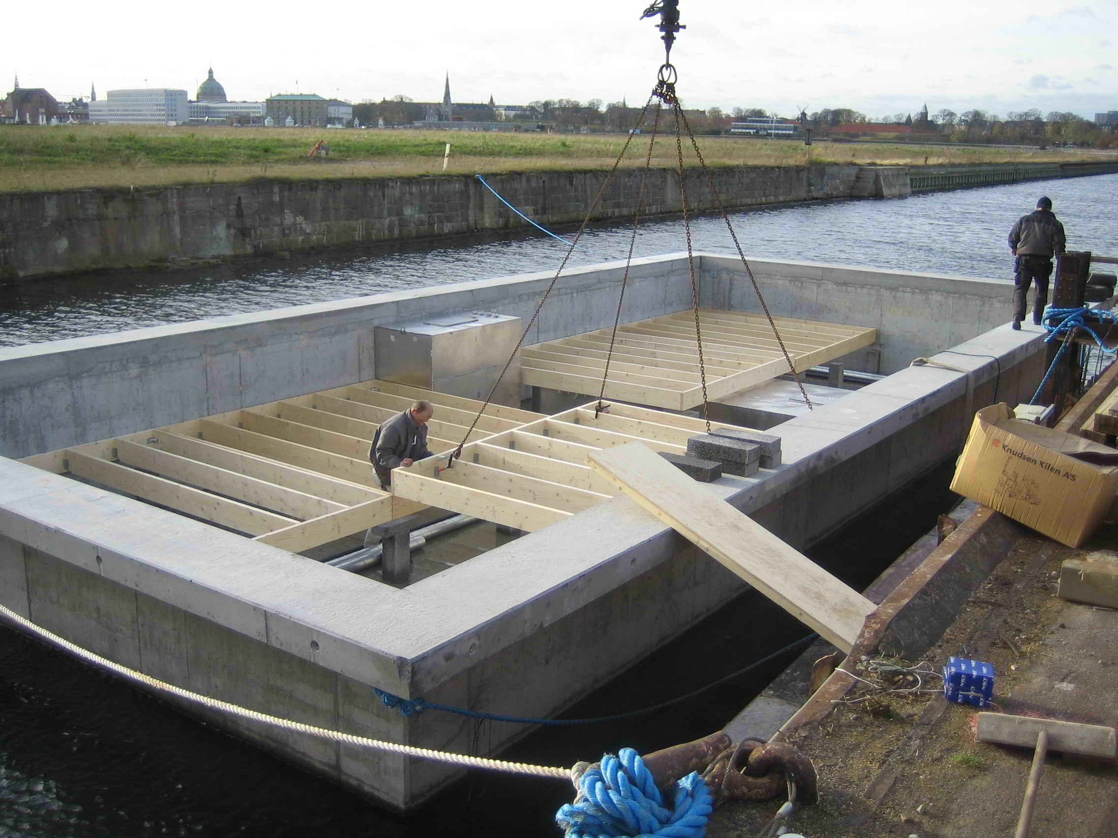 Concrete hull - Dirkmarine / House on Water Ltd. for floating homes